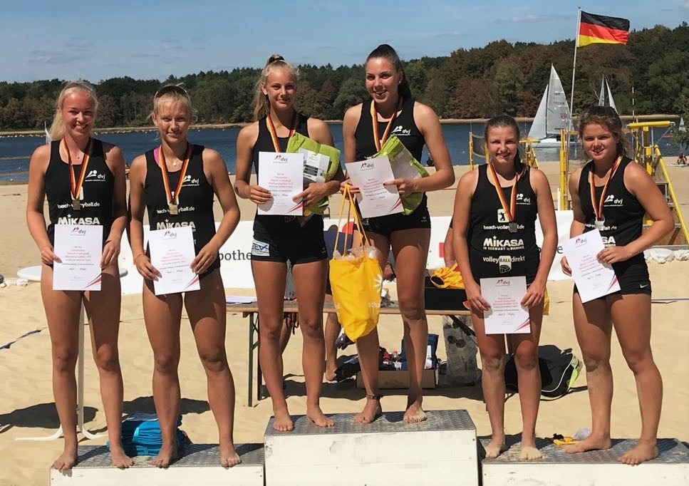 U17 DM: Paula Schürholz und Franziska Helming werden Dritte